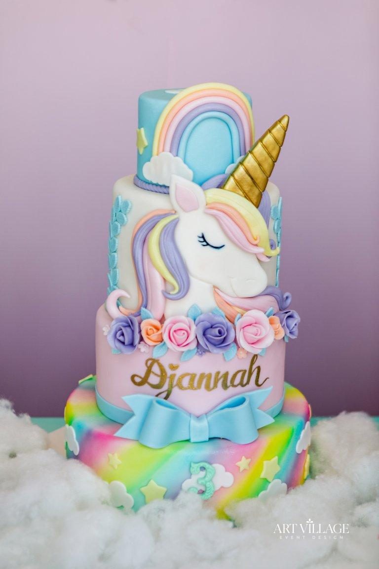 best fondant cake design UAE
