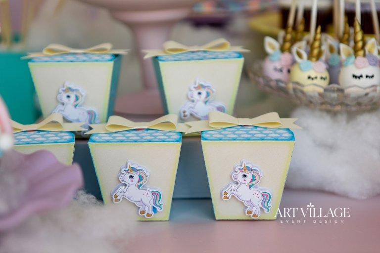 beautiful unicorn party favors